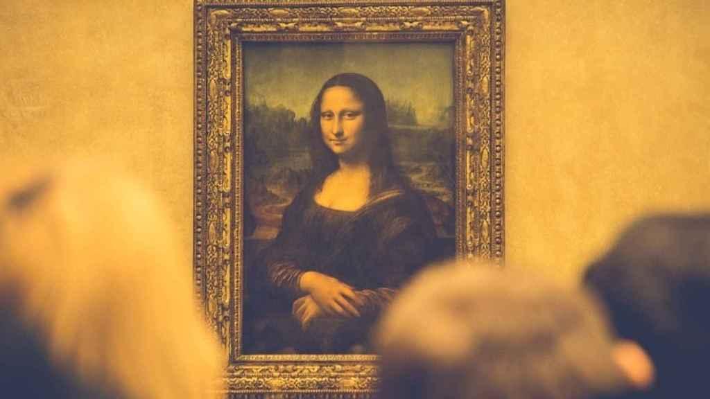 La Mona Lisa en el Museo del Louvre.