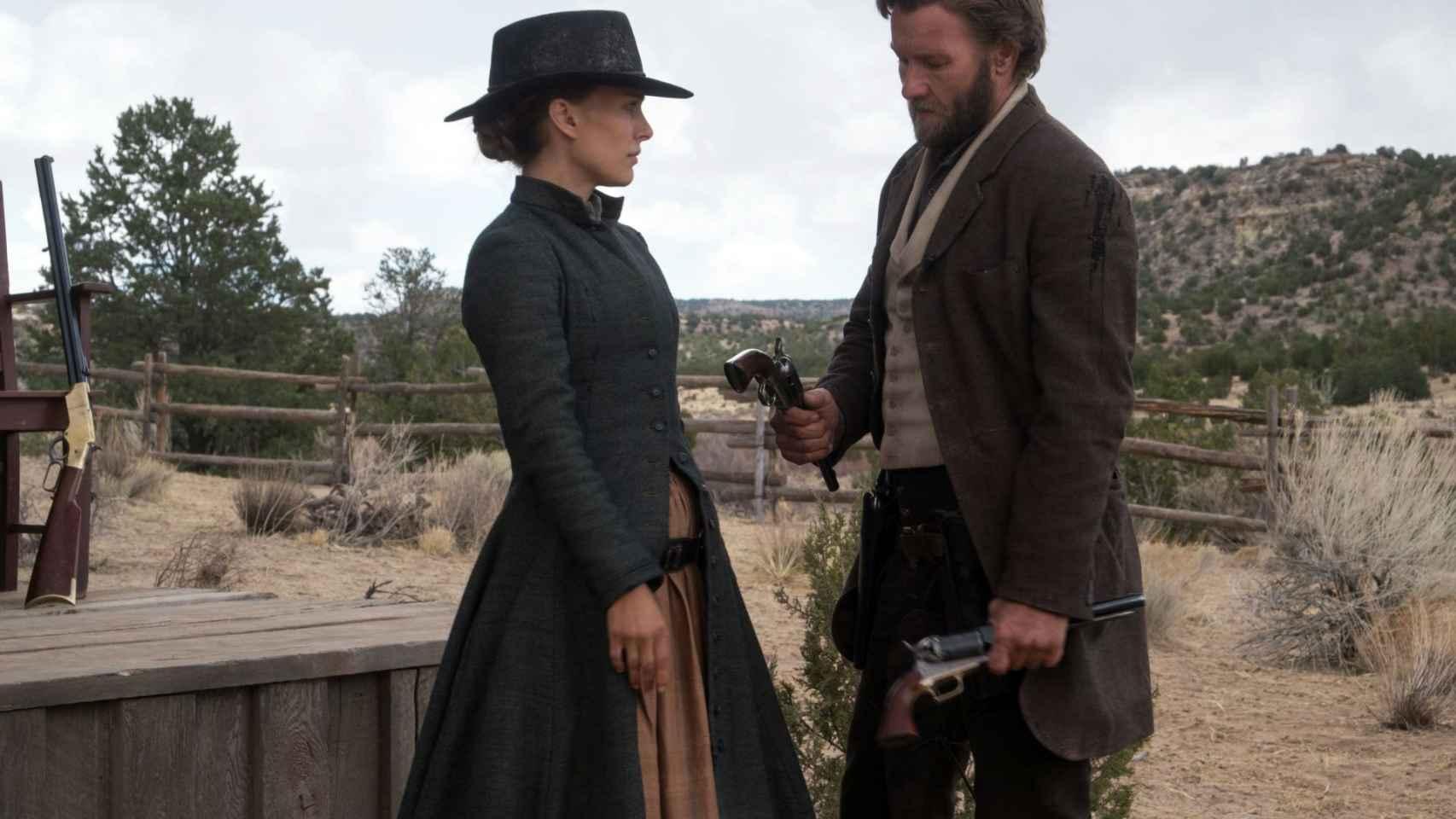 Natalie Portman y Joel Edgerton en La venganza de Jane.