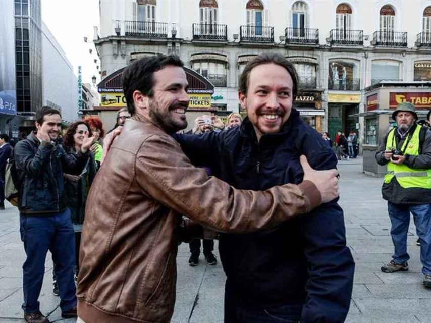 Fotografía colgada por IU en la red social Twitter de Pablo Iglesias y de Alberto Garzón.