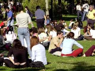 Estudiantes universitarios en la Complutense de Madrid