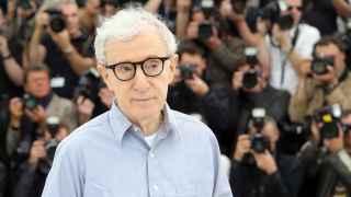 El hijo de Woody Allen rescata la historia de abusos sexuales de su padre a su hermana