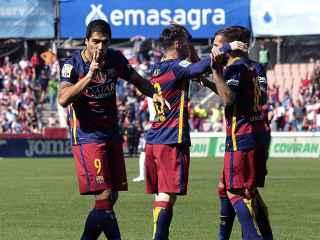 Luis Suárez celebra un gol en Granada.