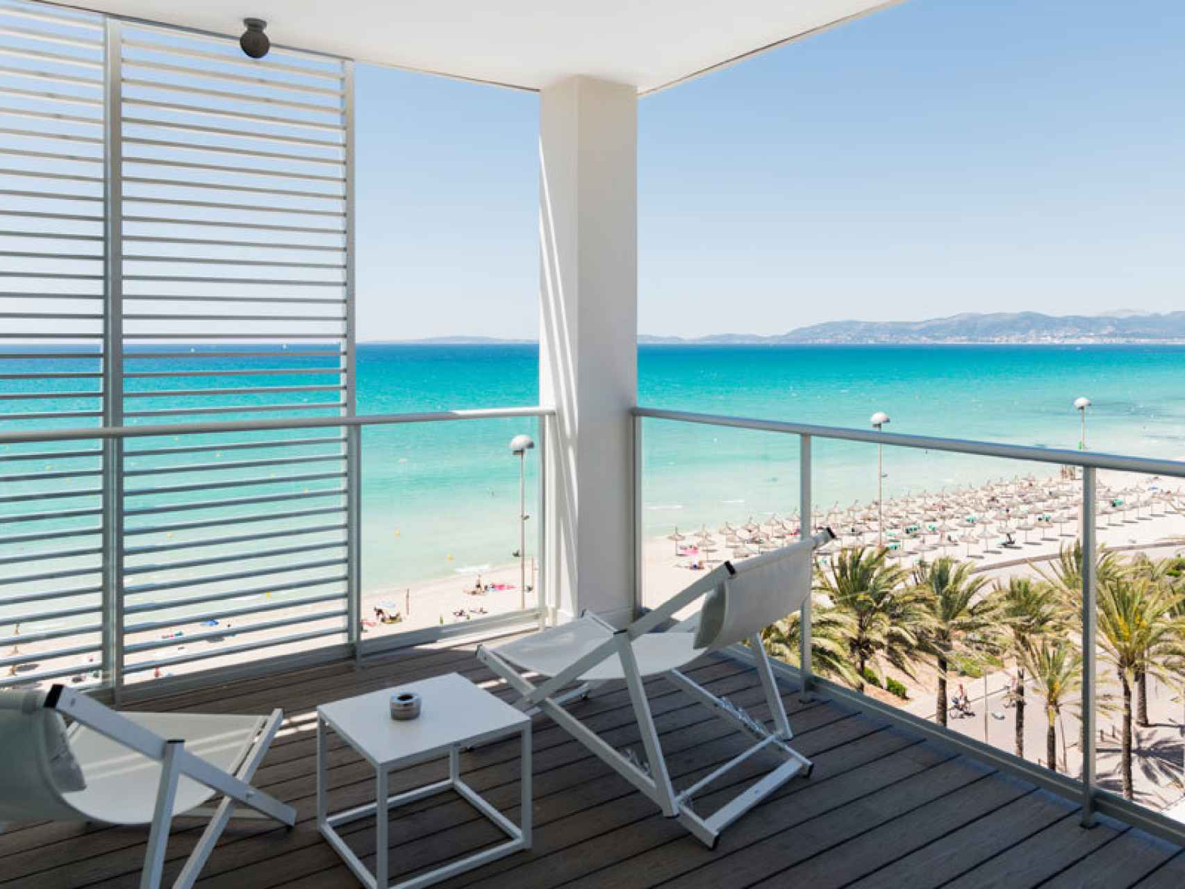 Terraza del hotel Garonda, en Mallorca.