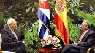 Margallo y Castro durante su encuentro este lunes en La Habana