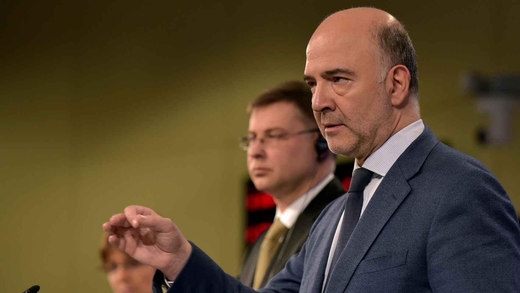 El comisario Pierre Moscovici justifica su decisión de retrasar la multa a España.