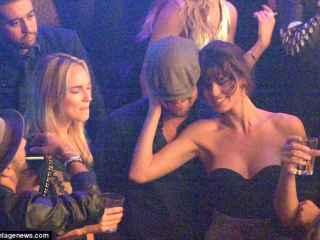 Leonardo Di Caprio se pega la fiesta en Cannes