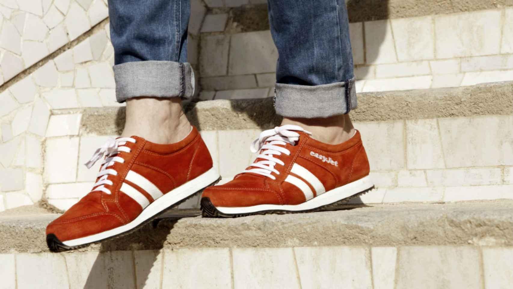 Caminar, pasear, andar... con las zapatillas conociendo el camino.