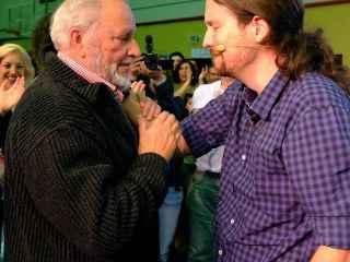 Julio Anguita y Pablo Iglesias, en un acto reciente en Córdoba.