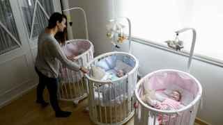 Natalia con sus bebés.