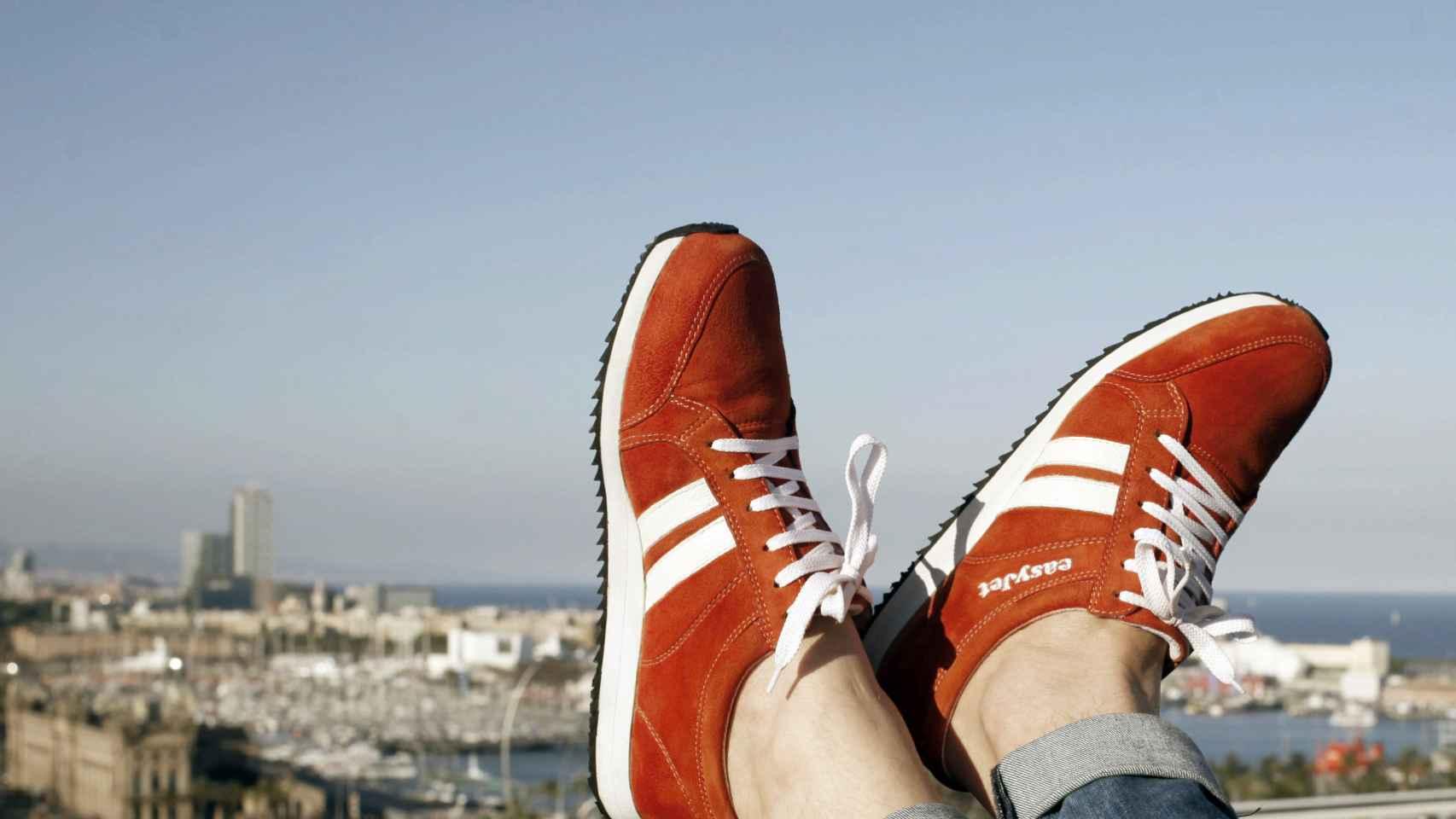 Sneakairs, las zapatillas ideadas por Easyjet.