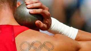 Foto con los anillos olímpicos-