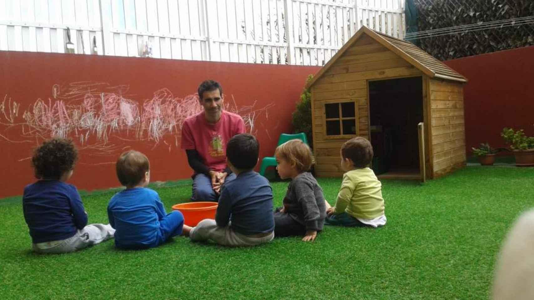 José Guzmán abrió el año pasado su hogar al cuidado de menores.
