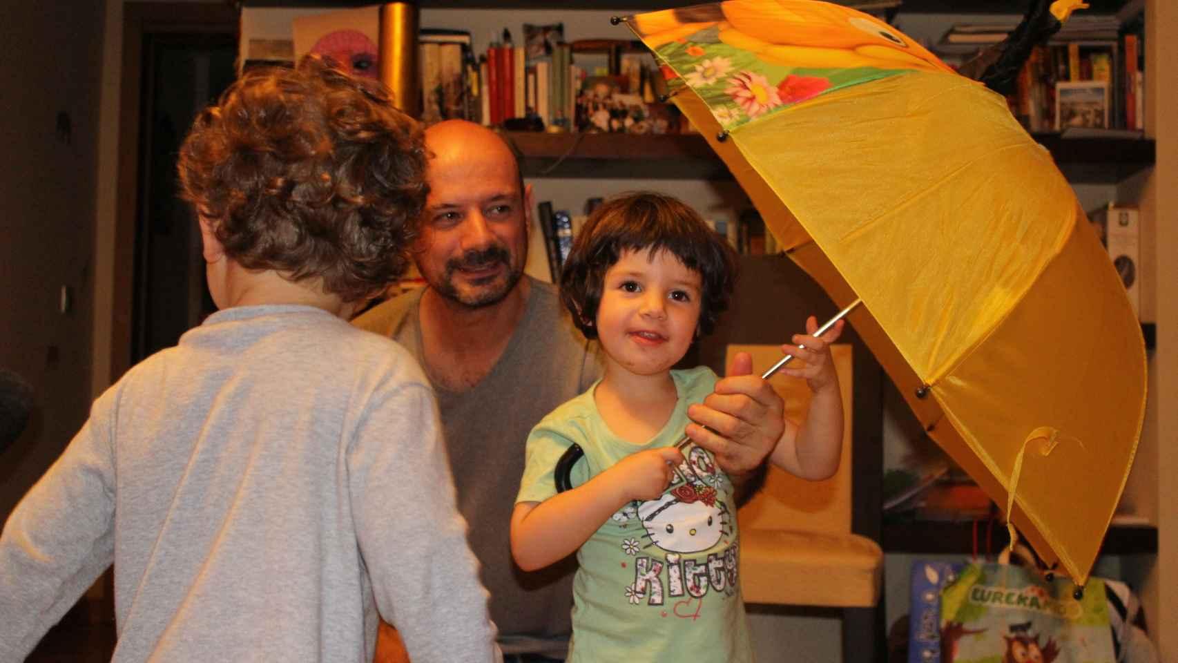Joaquín García acaba de abrir las puertas de su casa nido en Madrid.