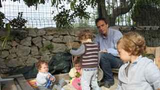 """Paco Bertos, de 36 años, se estableció como """"padre de día"""" hace unos meses."""