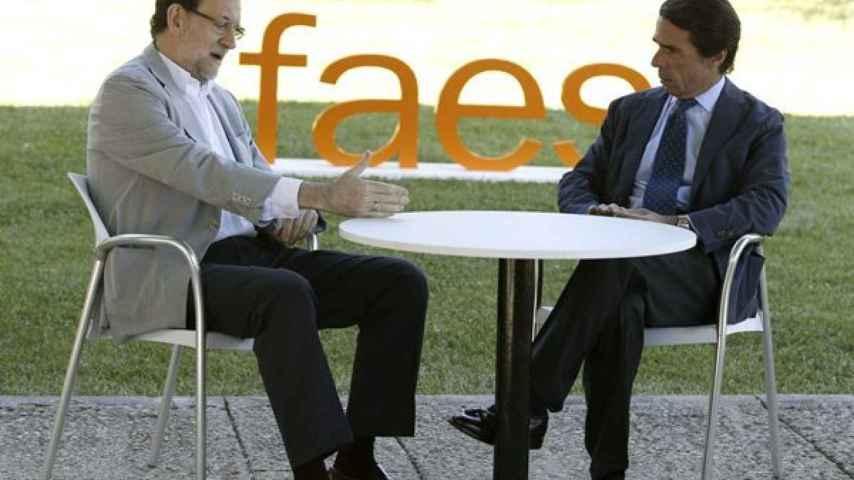 José María Aznar y el líder del PP, Mariano Rajoy, en el campus de Faes.