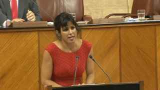 Teresa Rodrígues interviene en el Pleno del Parlamento Andaluz.