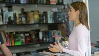 La reina Letizia, en la Feria del Libro.