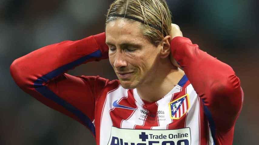 Fernando Torres deprimido tras la final de Champions.