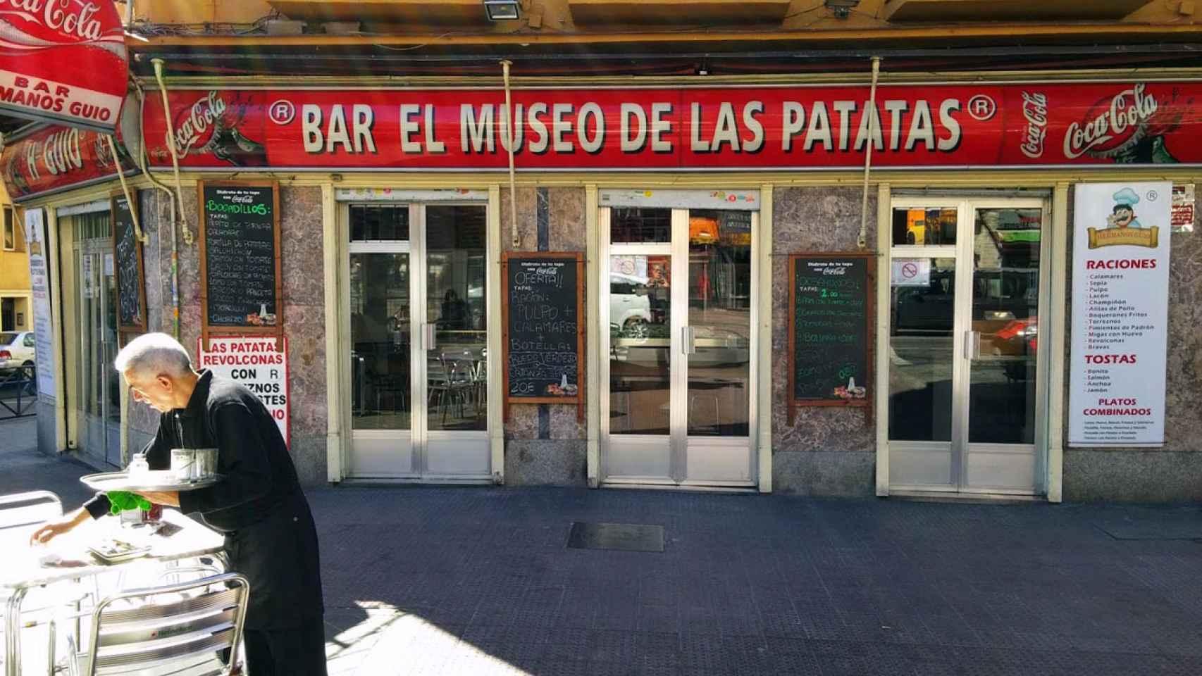 Exterior del local El Museo de las patatas.