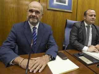 Chaves, durante su comparecencia en el Parlamento andaluz