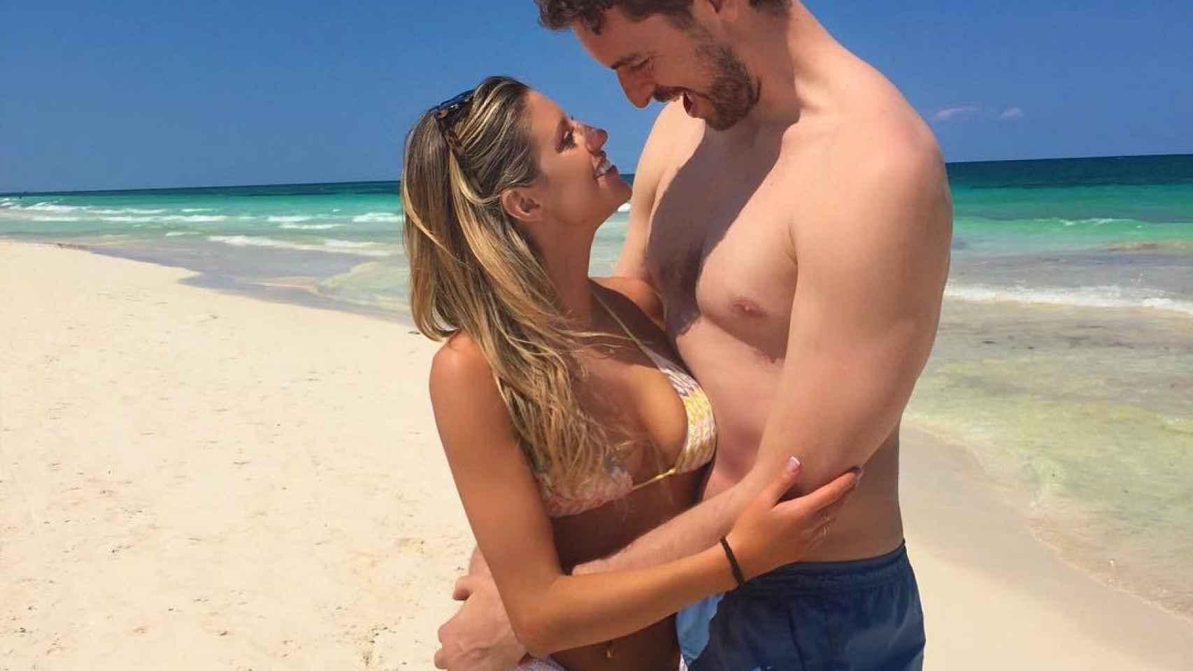 Pau Gasol con su novia Catherine McDonnell.