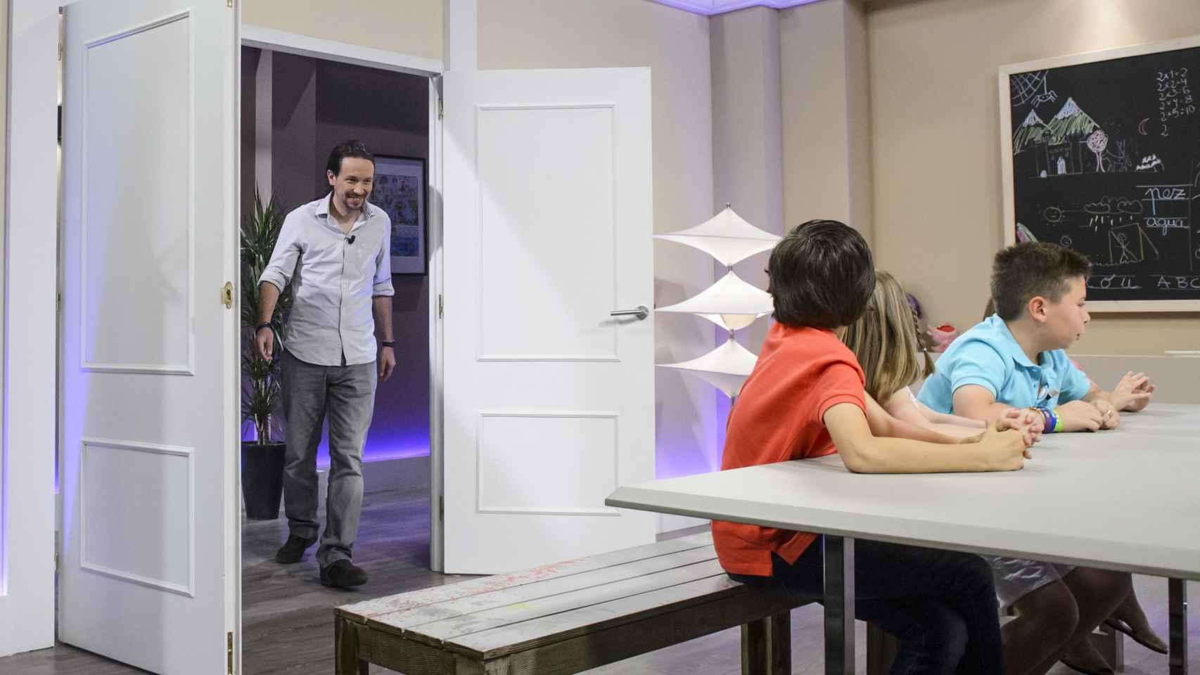 El encuentro entre Pablo Iglesias y los niños de '26-J, quiero gobernar' en Telecinco