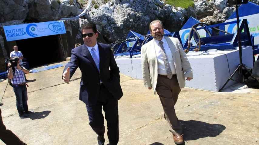 Fabian Picardo y el ministro de Medio Ambiente de Gibraltar John Cortés.