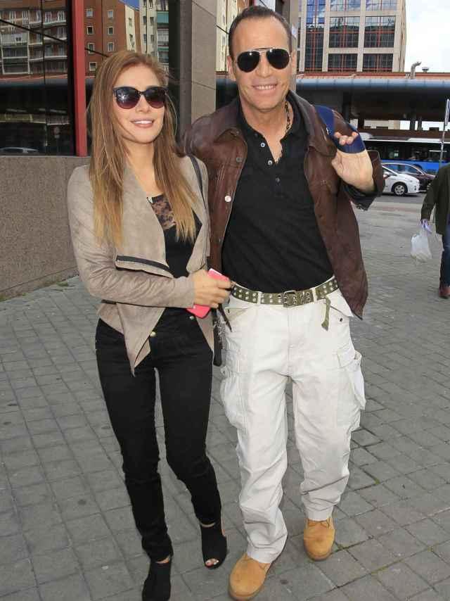 Carlos Lozano y su novia Miriam Saavedra