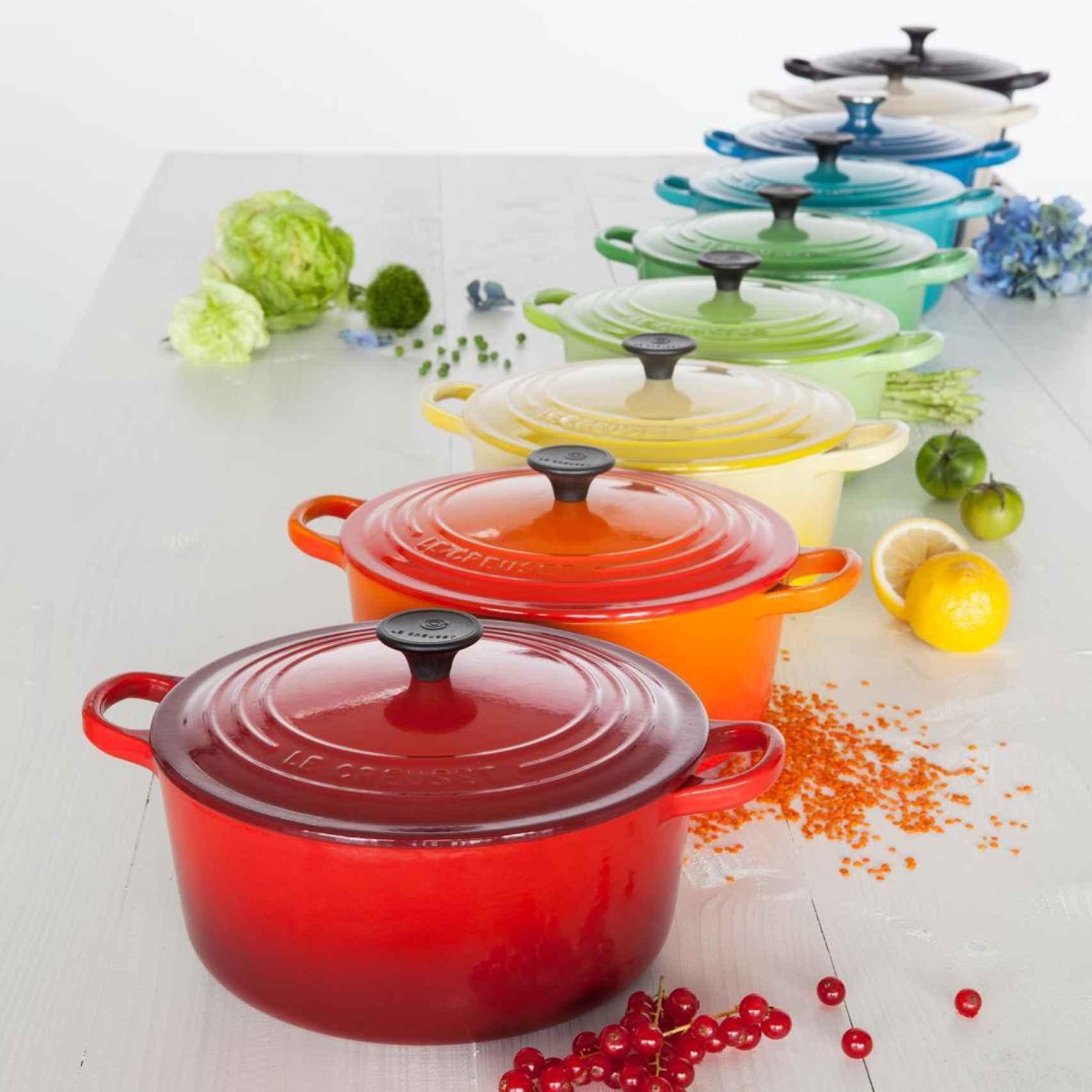 Algunos expertos han afirmado que utilizar colores vivos en el menaje anima a cocinar.
