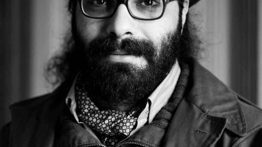 El artista sirio Hamid Sulaiman presenta su primera novela gráfica.