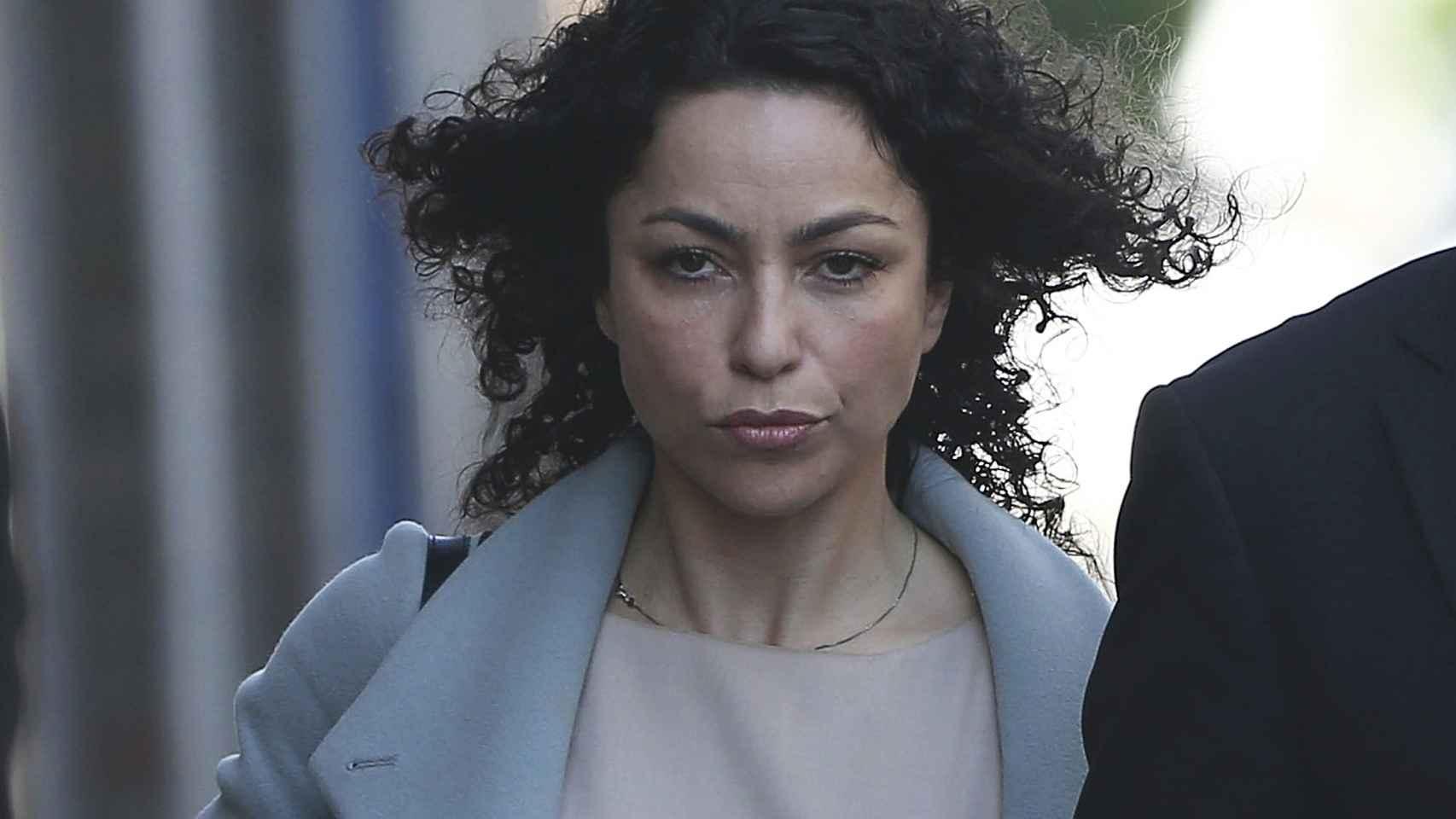 Eva Carneiro en el momento de su llegada al juicio.