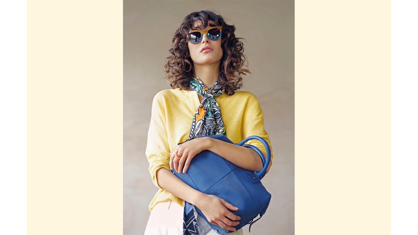 Gafas con montura de acetato, en colores camel y verde cerceta, de Gloria Ortiz.