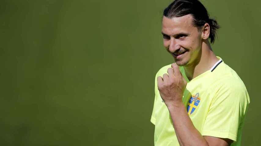 Zlatan Ibrahimovic durante un entrenamiento previo a la Eurocopa.