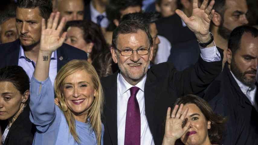 La noche de las camisas blancas en la que estaba guapo hasta Rajoy