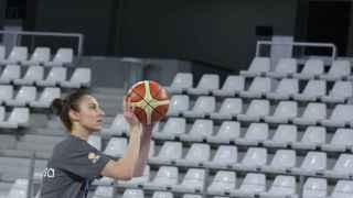 Alba Torrens en el primer entrenamiento de España en Nantes.