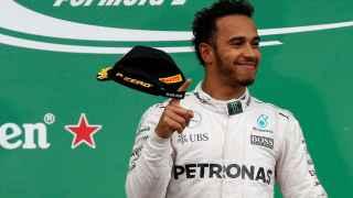 Lewis Hamilton celebra su victoria en el GP de Canadá.
