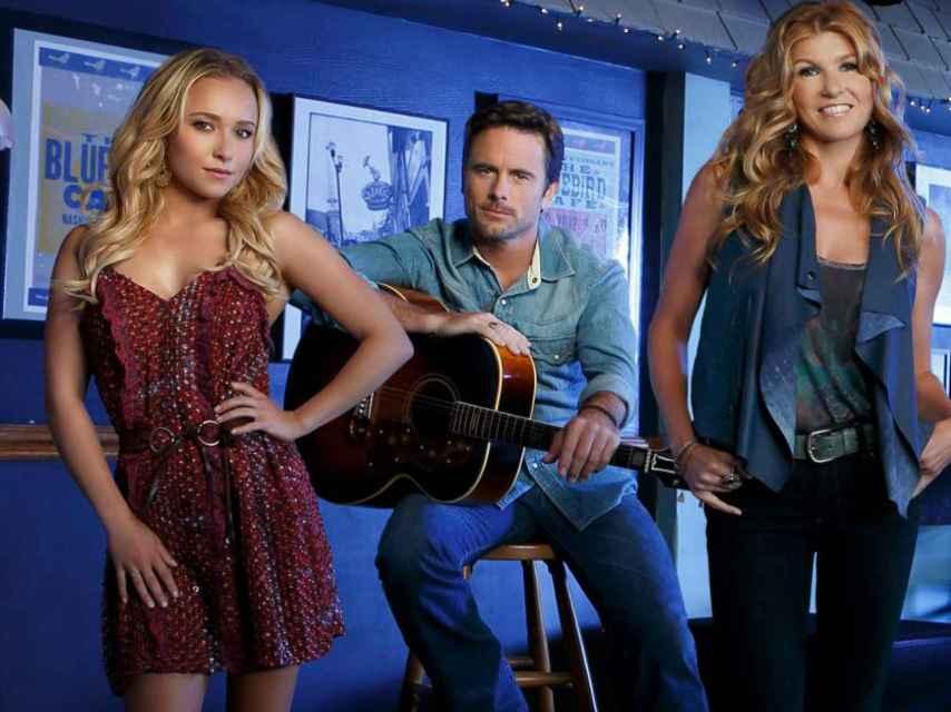 El reparto de Nashville en una imagen promocional de la serie.