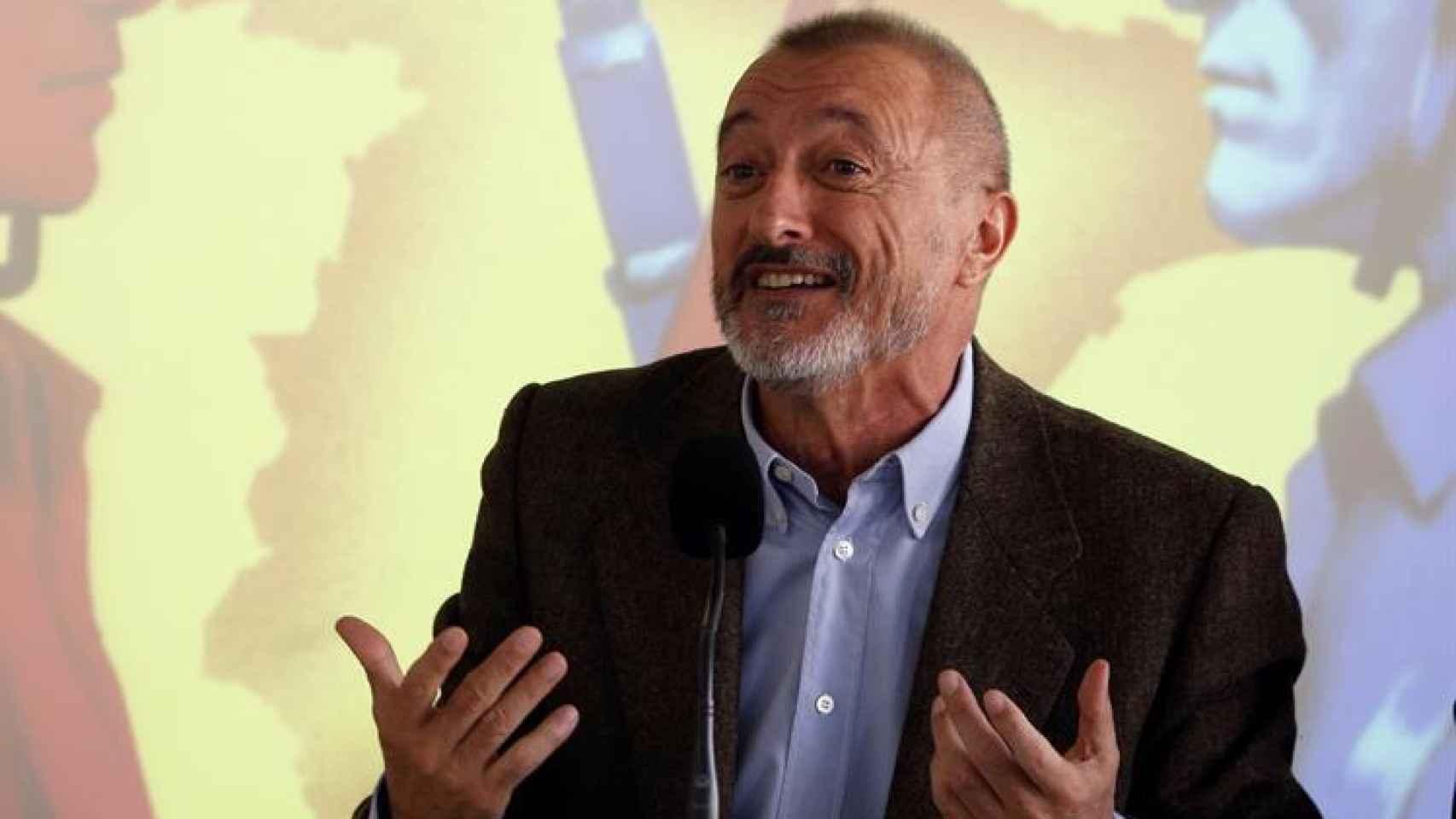 Arturo Pérez-Reverte durante la presentación de su libro.