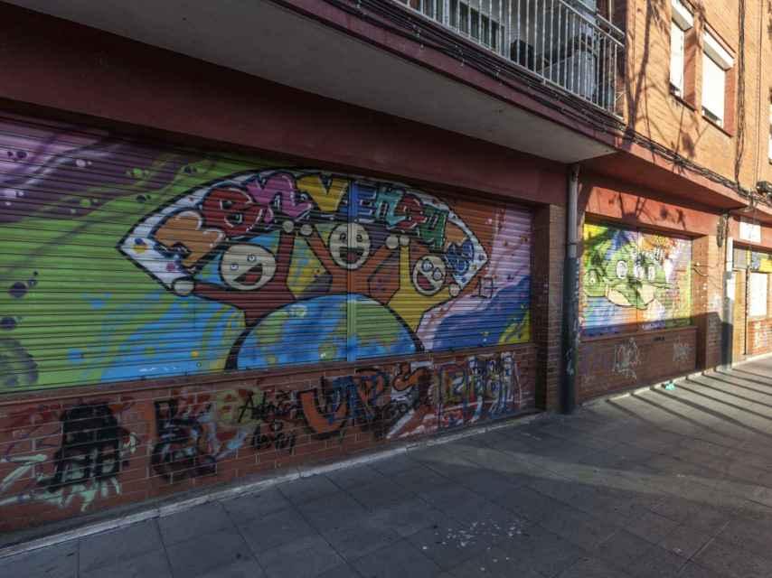 Uno de los grafitis del barrio de Llefià.