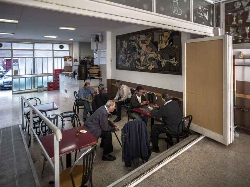 Asociación de Vecinos de Juan Valera, en el barrio obrero de Llefià, Badalona.