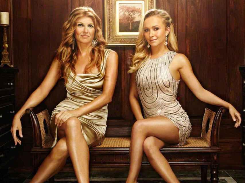Connie Briton y  Hayden Panettiere, protagonistas de Nashville.