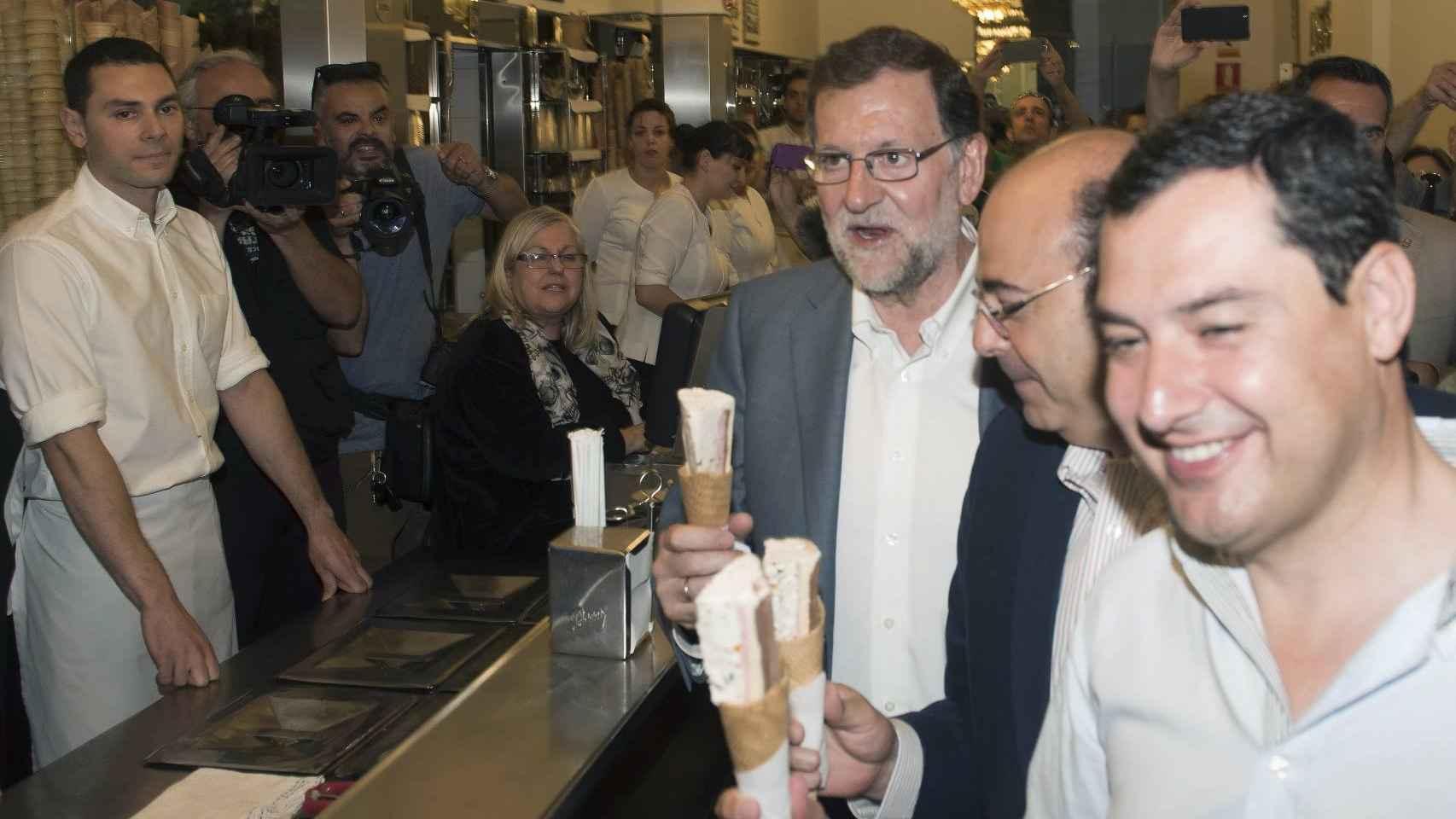 Rajoy en la heladería 'los italianos.