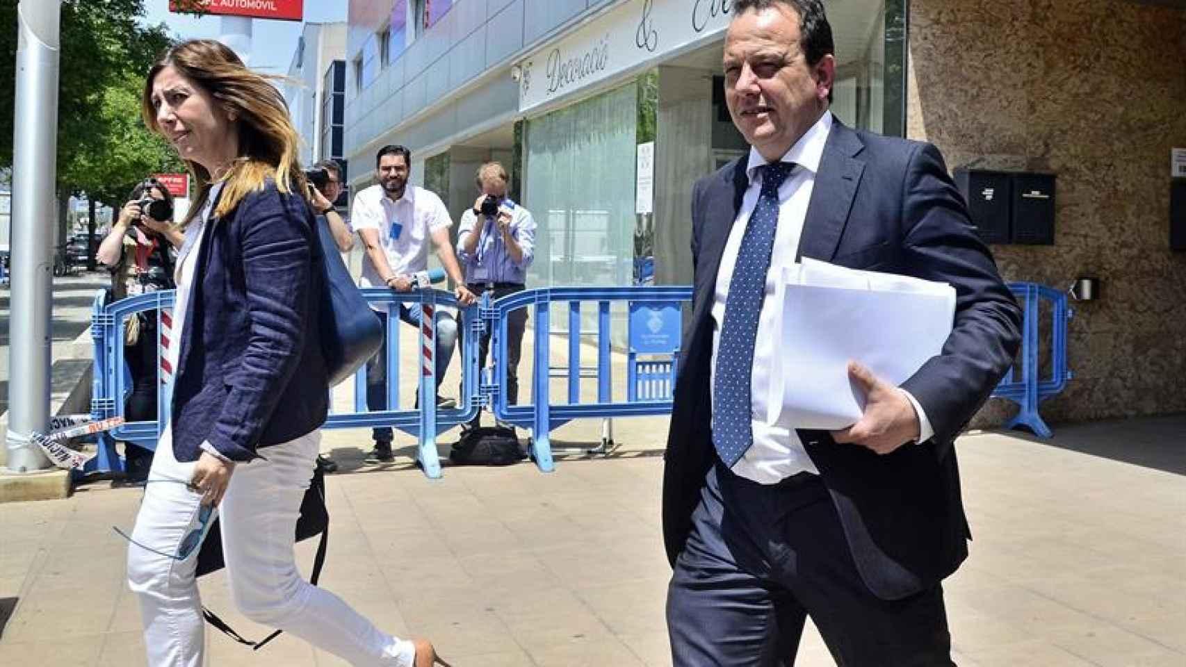 El fiscal Pedro Horrach y la fiscal Ana Lamas, a su salida de la Escuela Balear de la Administración Pública