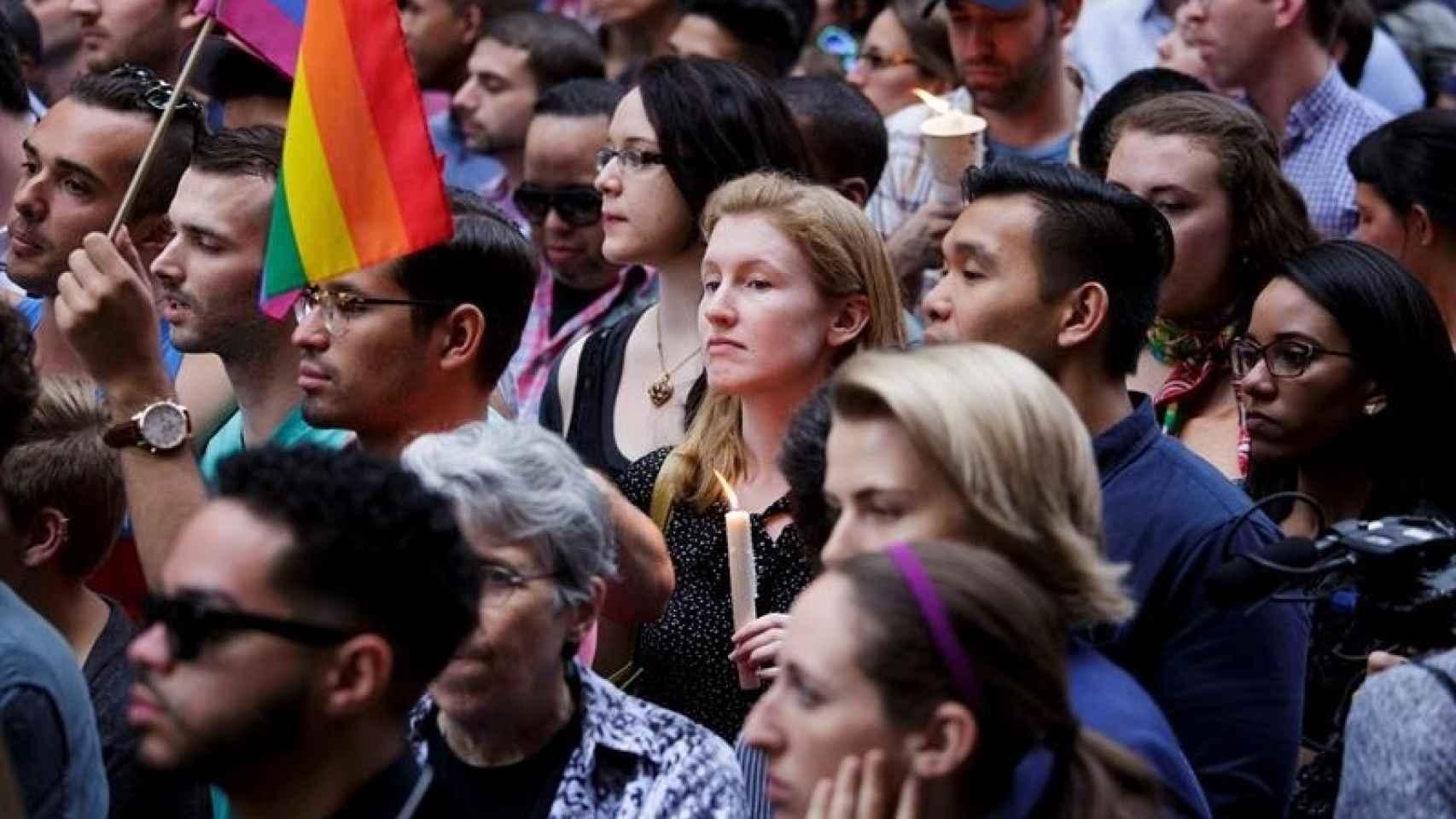 Vigilia en Nueva York en homenaje a las víctimas de Orlando/Justin Lane/EFE