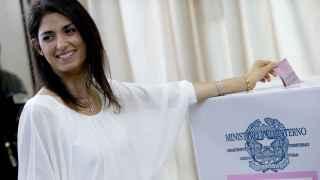 """Virginia Raggi: la nueva alcaldesa de Roma, una""""leona"""" en crisis con su marido"""
