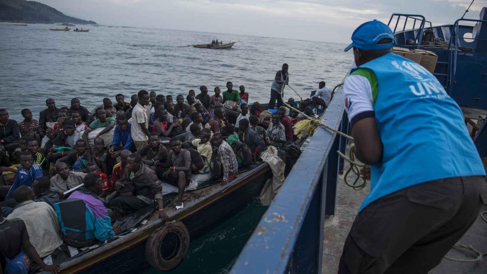 Récord de la catástrofe en el día mundial del refugiado: 24 personas huyen y dejan su casa cada minuto