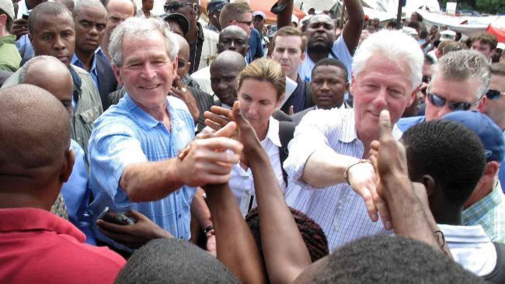 Bush y Clinton en Haití en 2010.