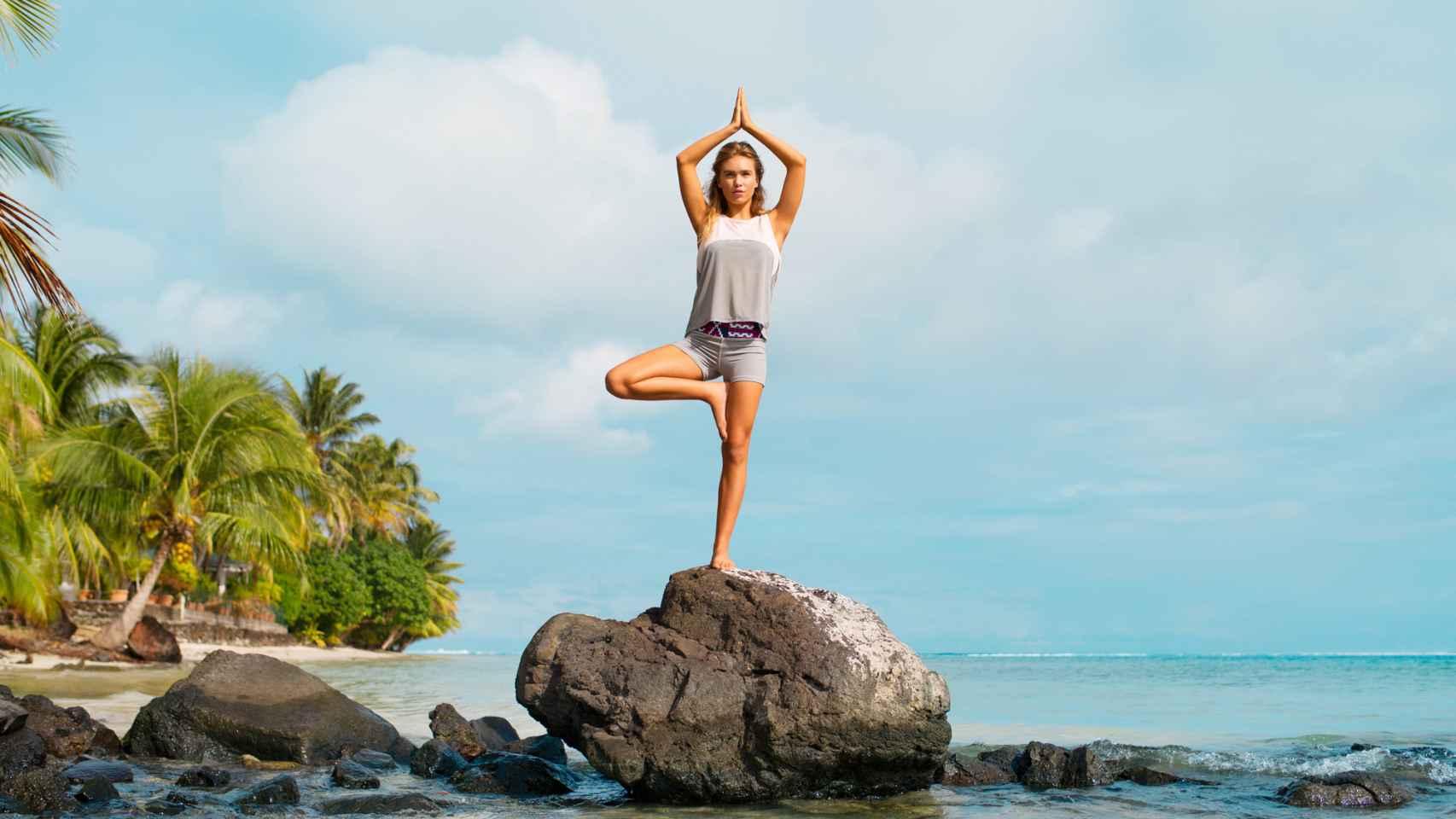 El yoga ayuda a conectar con tu yo interno y qué mejor que unas vacaciones para liberar la mente.