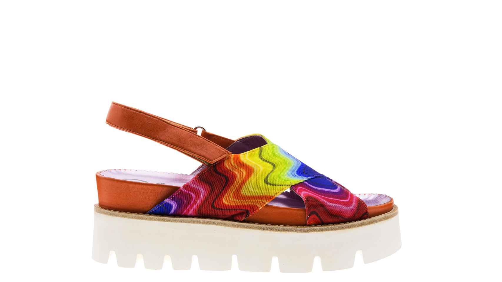 Sandalias multicolores, de Ursula Mascaró.