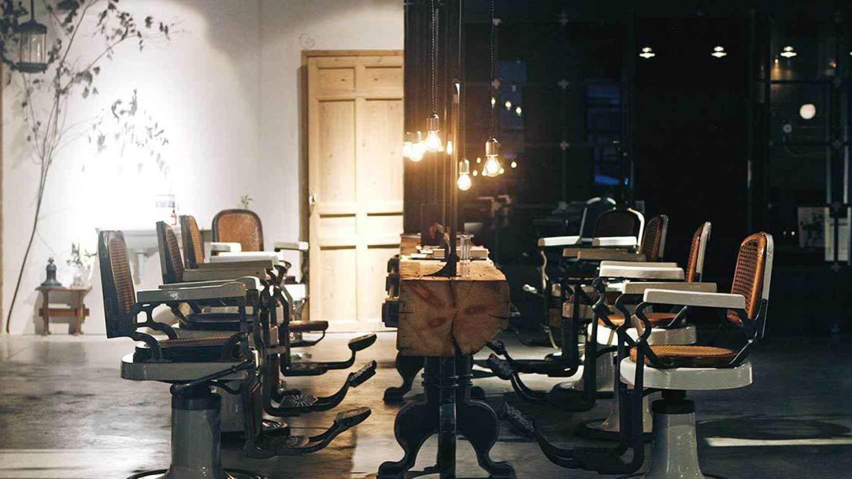 Salón de Isaac Salido en Madrid. La zona de corte, peinado y tinte.